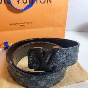 Men's Louise Vuitton belt 28-30 inch